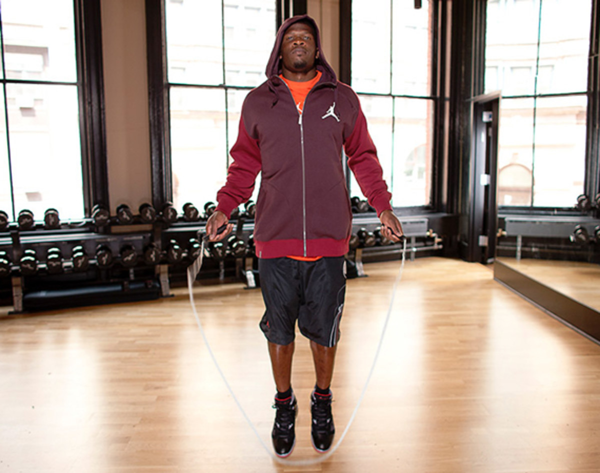 jordan-brand-fall-holiday-2011-lookbook-andre-johnson-00a