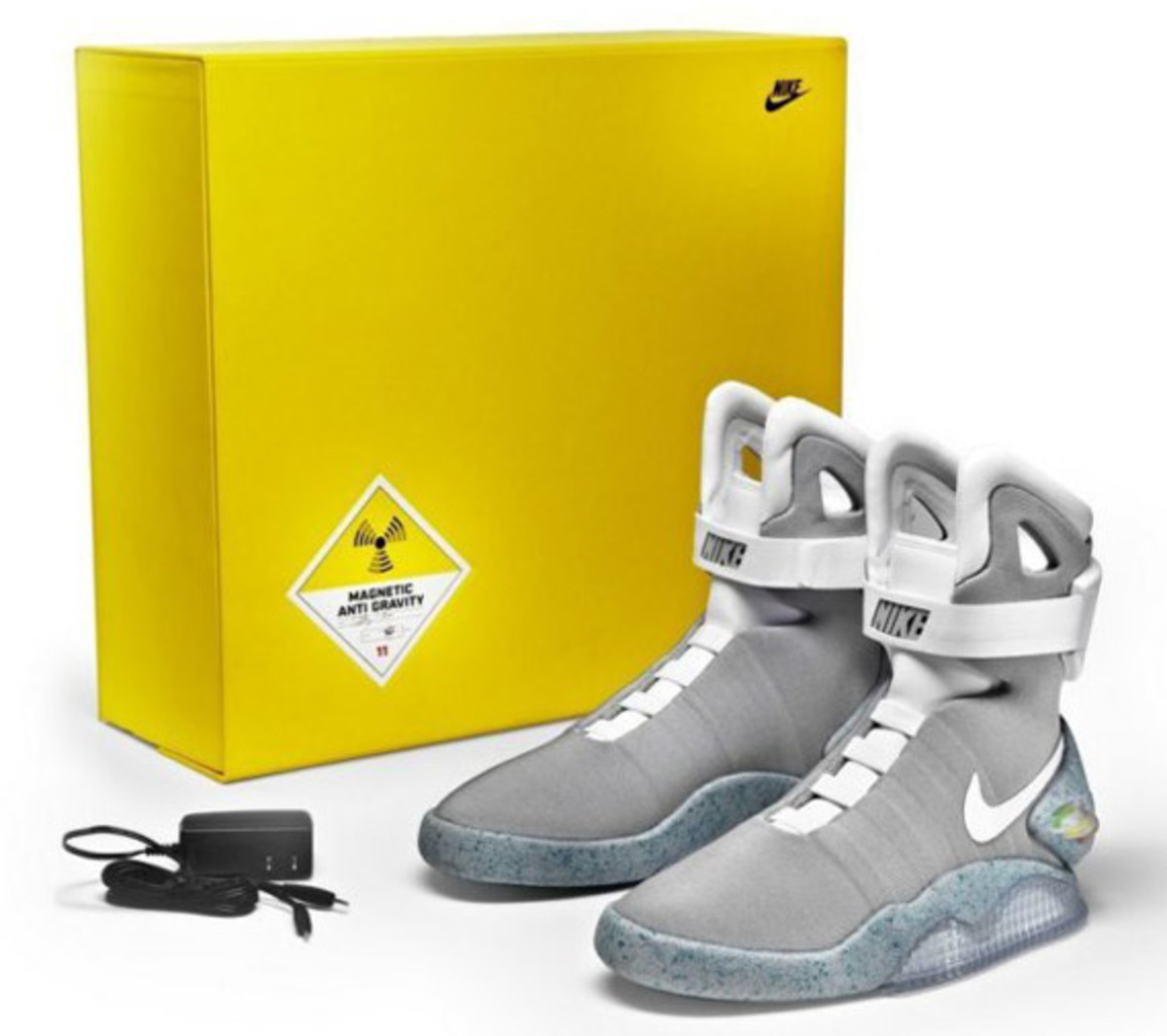 2011-nike-mag-charity-auction-reminder-02