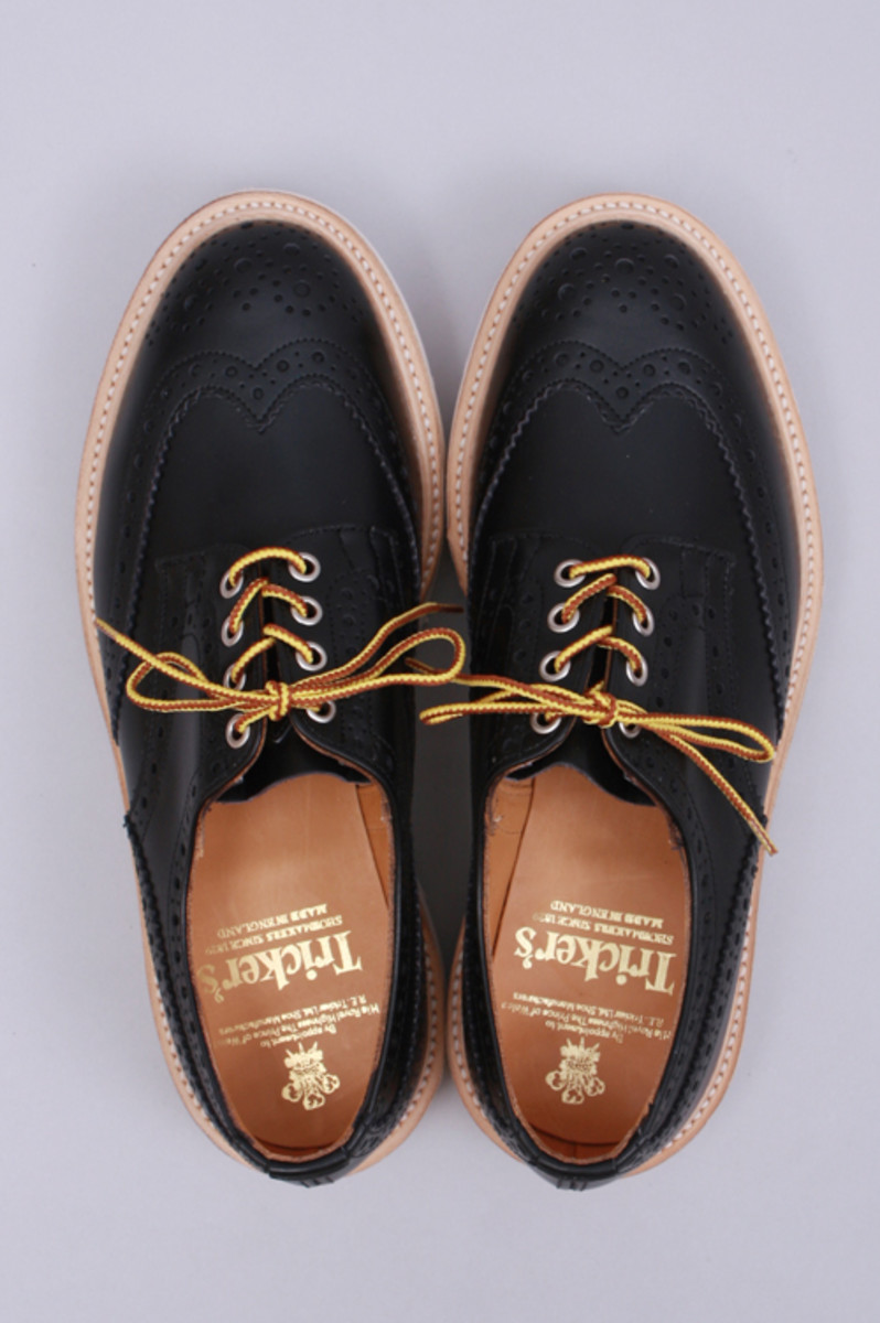 wing-tip-shoes-02
