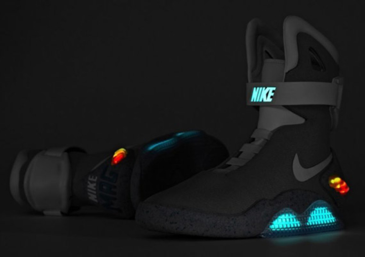2011-nike-mag-charity-auction-reminder-12
