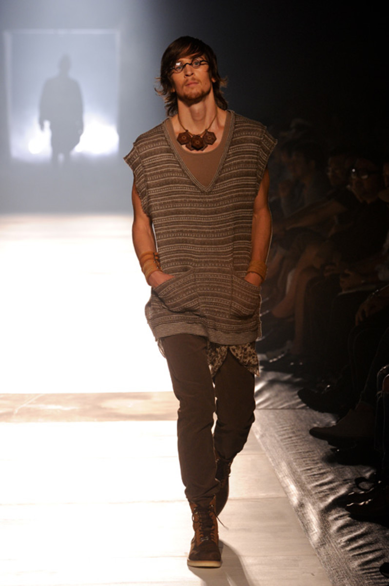 white-mountaineering-spring-summer-2012-25