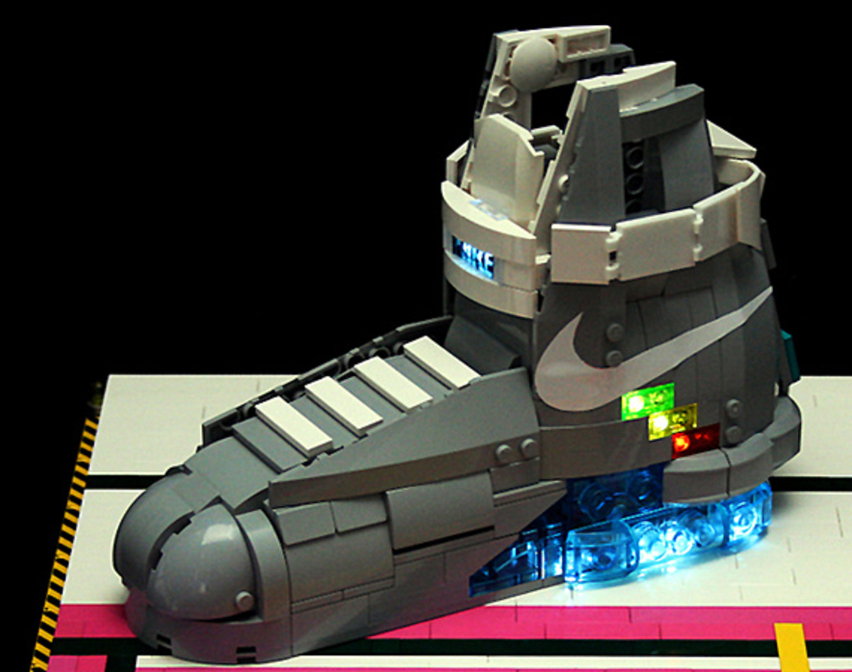 lego-nike-mag-2011-orion-pax-01