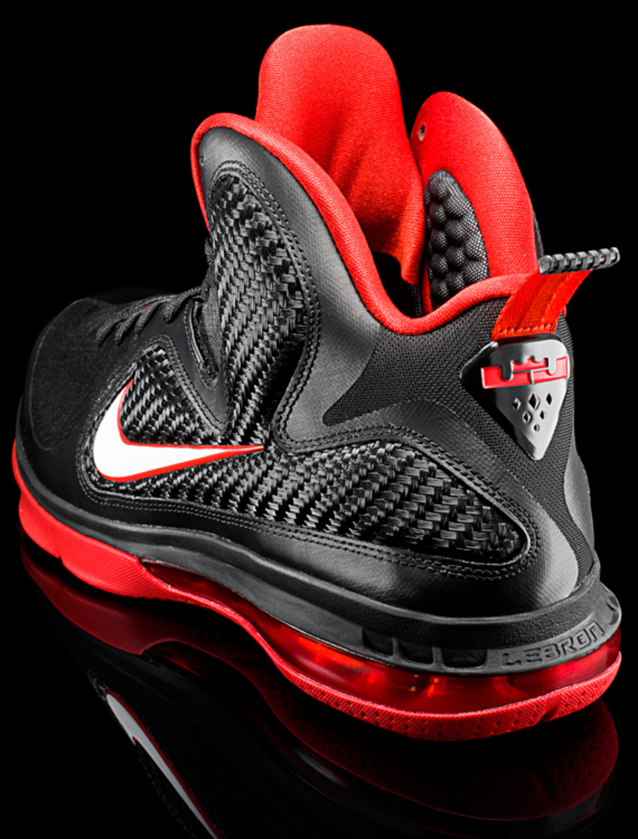 nike-lebron-9-detailed-look-12