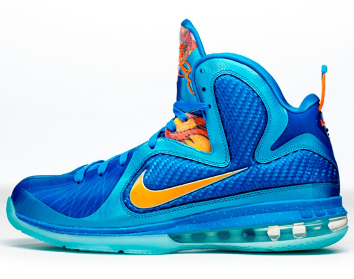 nike-lebron-9-china-edition-detailed-look-a01