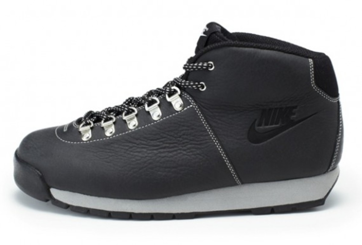 nike-sportswear-air-magma-holiday-2011-03