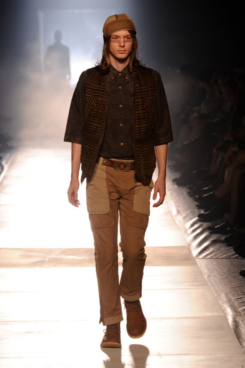 white-mountaineering-spring-summer-2012-20