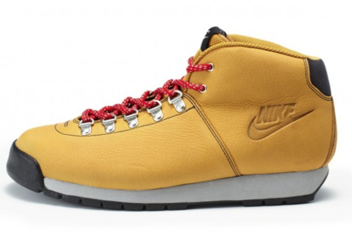 nike-sportswear-air-magma-holiday-2011-02