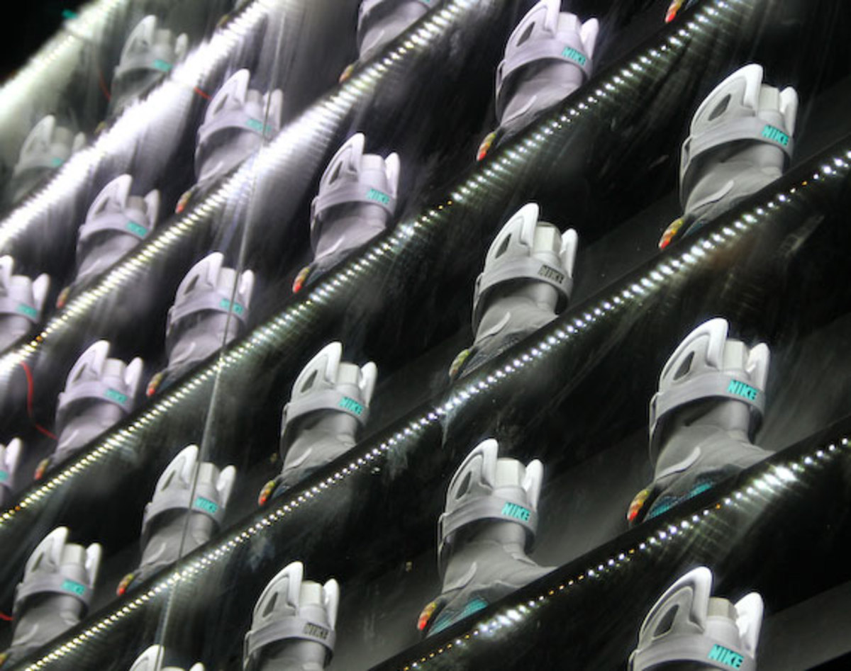 2011-nike-mag-back-for-the-future-at-the-montalban-35