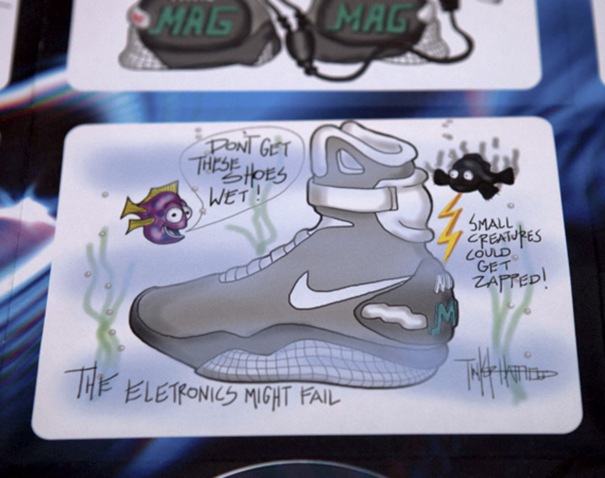 2011-nike-mag-unboxing-15
