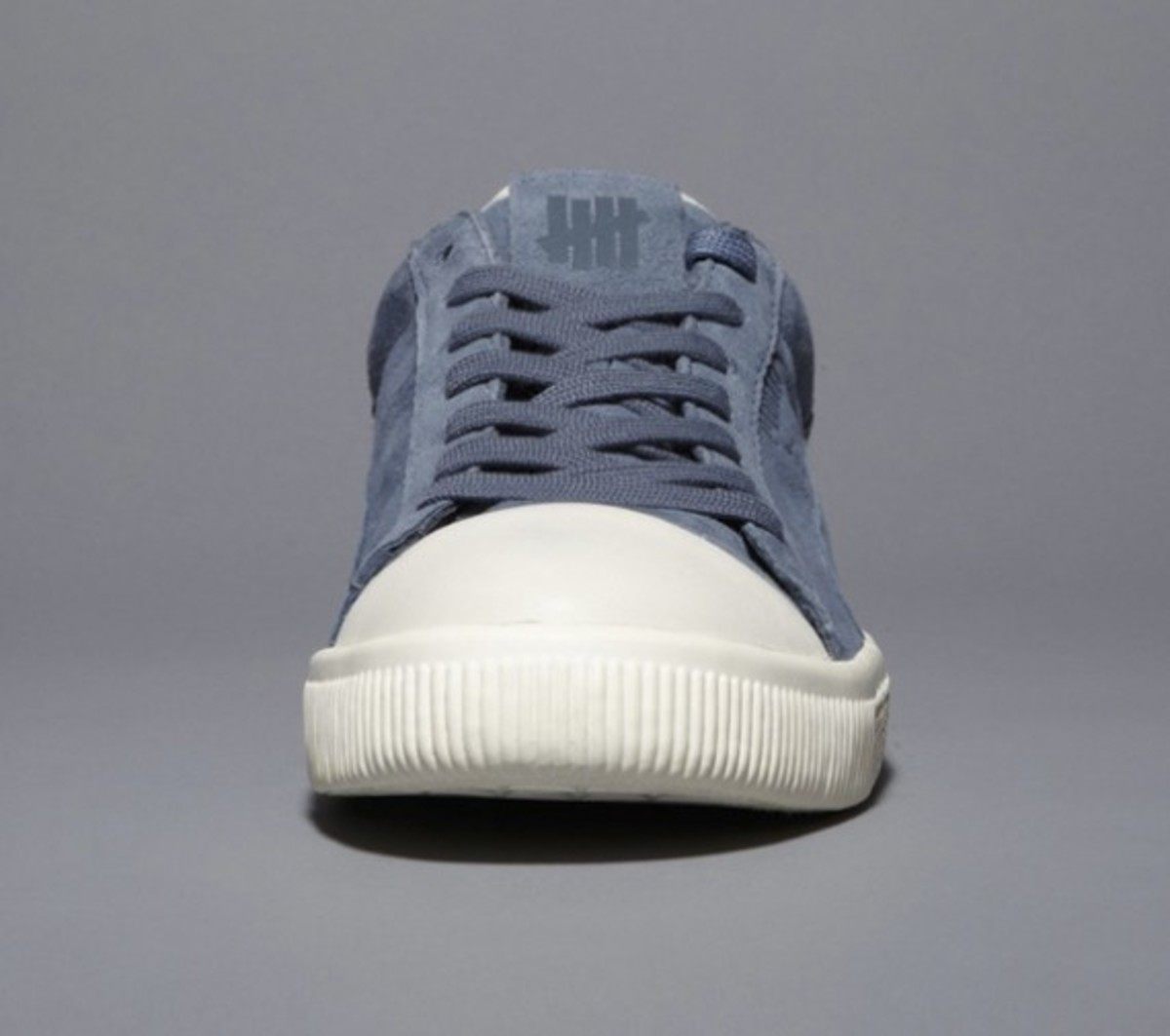 undefeated-puma-clyde-coverblock-grey-02