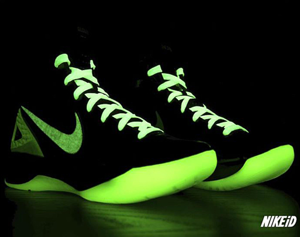 Nike Hyperdunk Men's Athletic Shoes