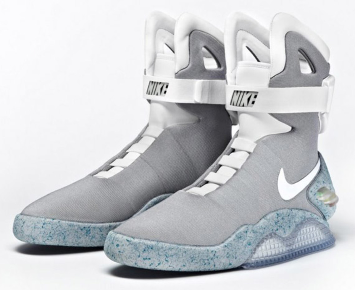 2011-nike-mag-charity-auction-reminder-03