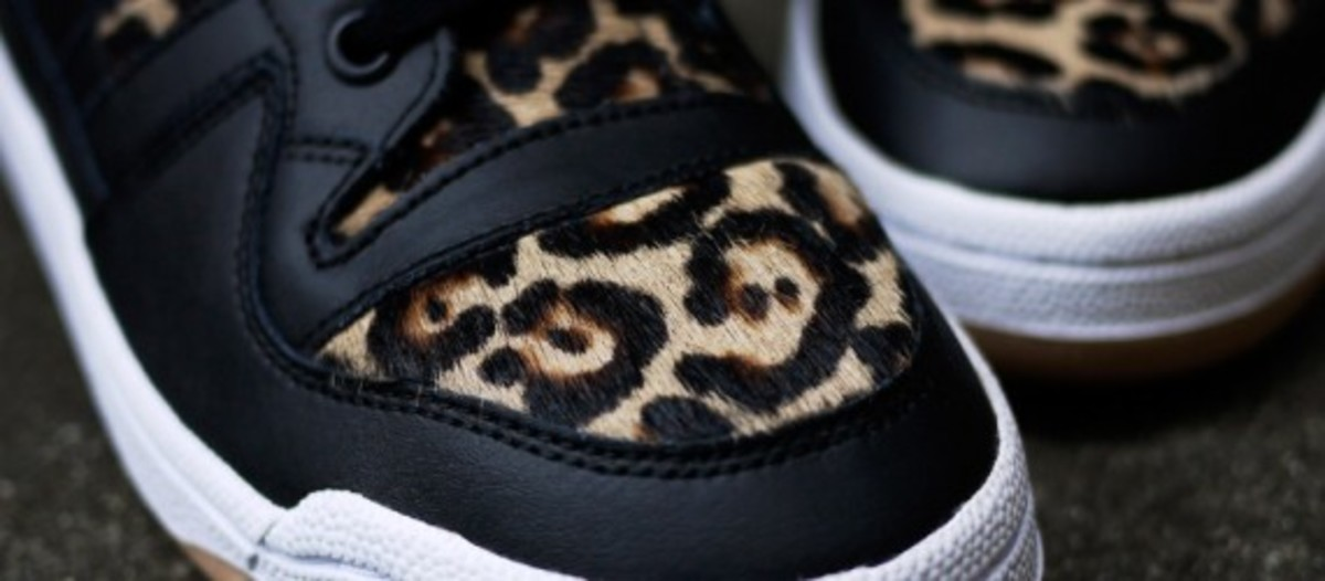 adidas-originals-forum-mid-leopard-chapter-exclusive-04