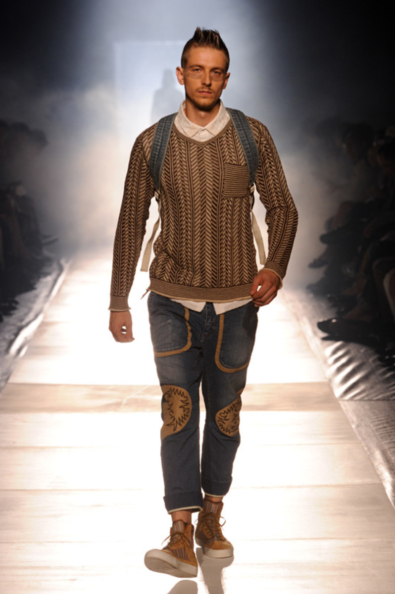 white-mountaineering-spring-summer-2012-09
