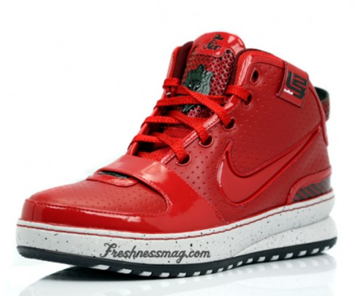 Big Apple Nike Zoom LeBron VI