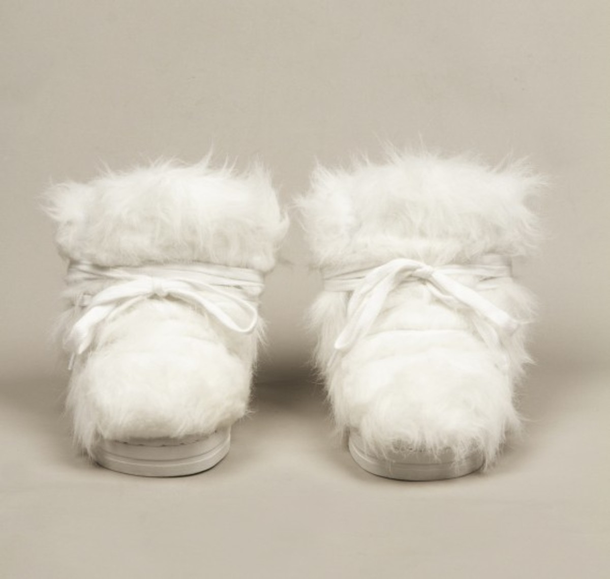 terence-koh-opening-ceremony-forfex-furry-sneakers-02