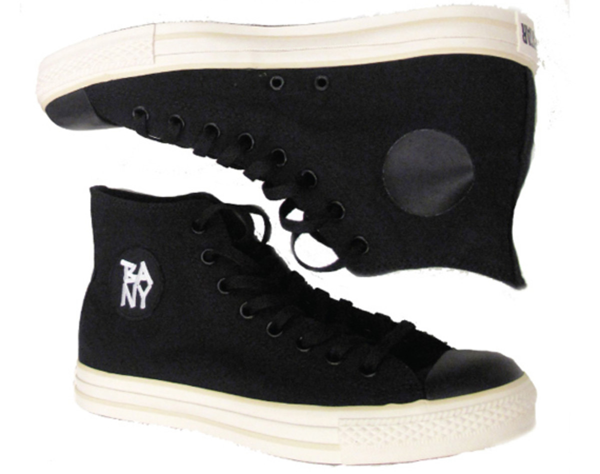 black-apple-converse-chuck-taylor-all-star-00