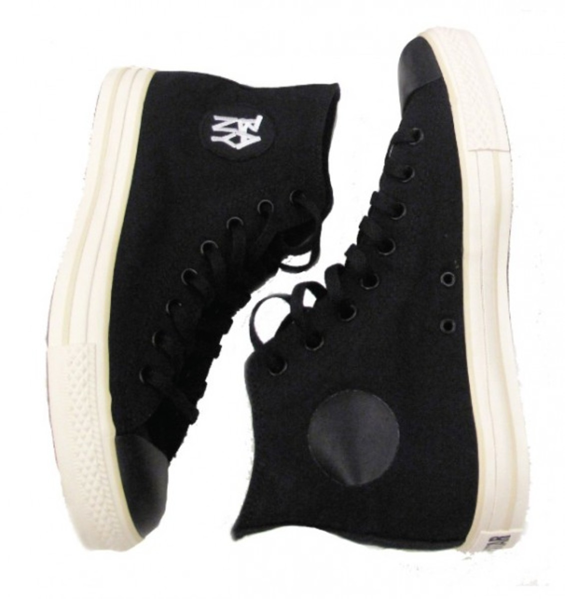 black-apple-converse-chuck-taylor-all-star-01