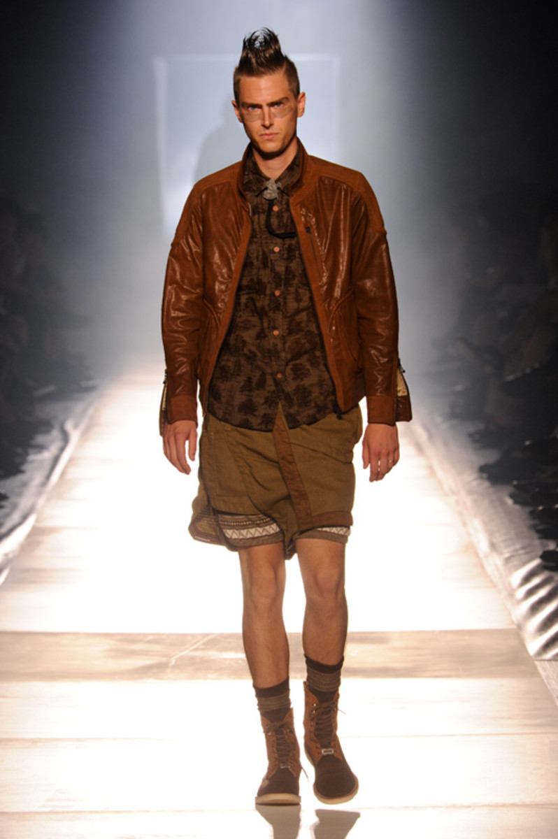 white-mountaineering-spring-summer-2012-24