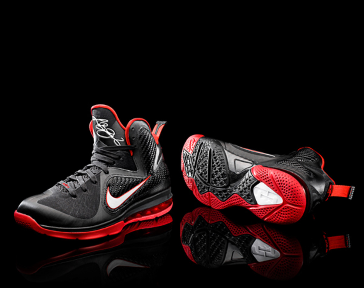 nike-lebron-9-detailed-look-13
