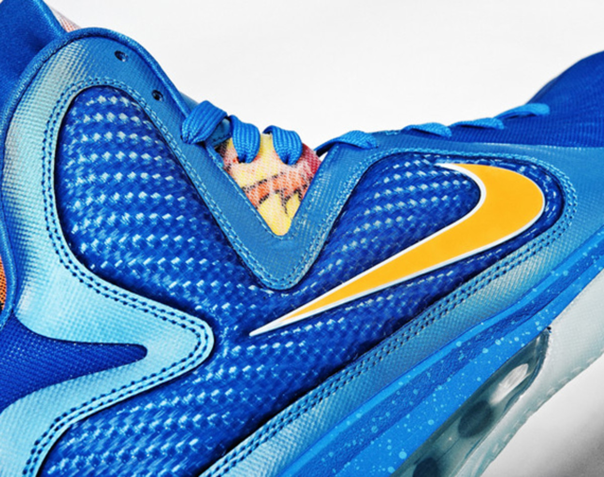 nike-lebron-9-china-edition-detailed-look-03