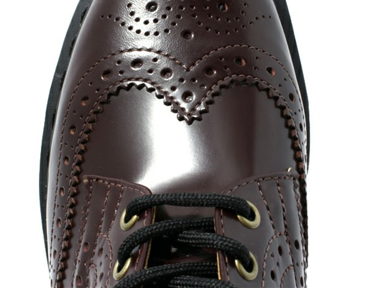 7-hole-wing-tip-boots-04