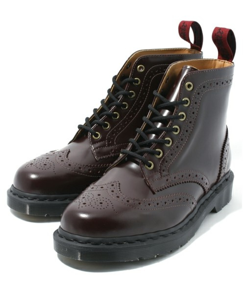 7-hole-wing-tip-boots-01