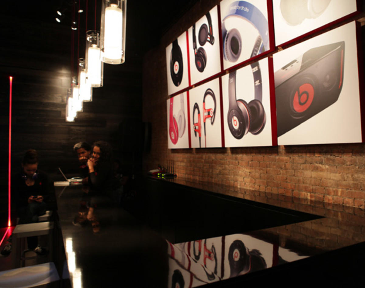 beats-by-dre-store-08