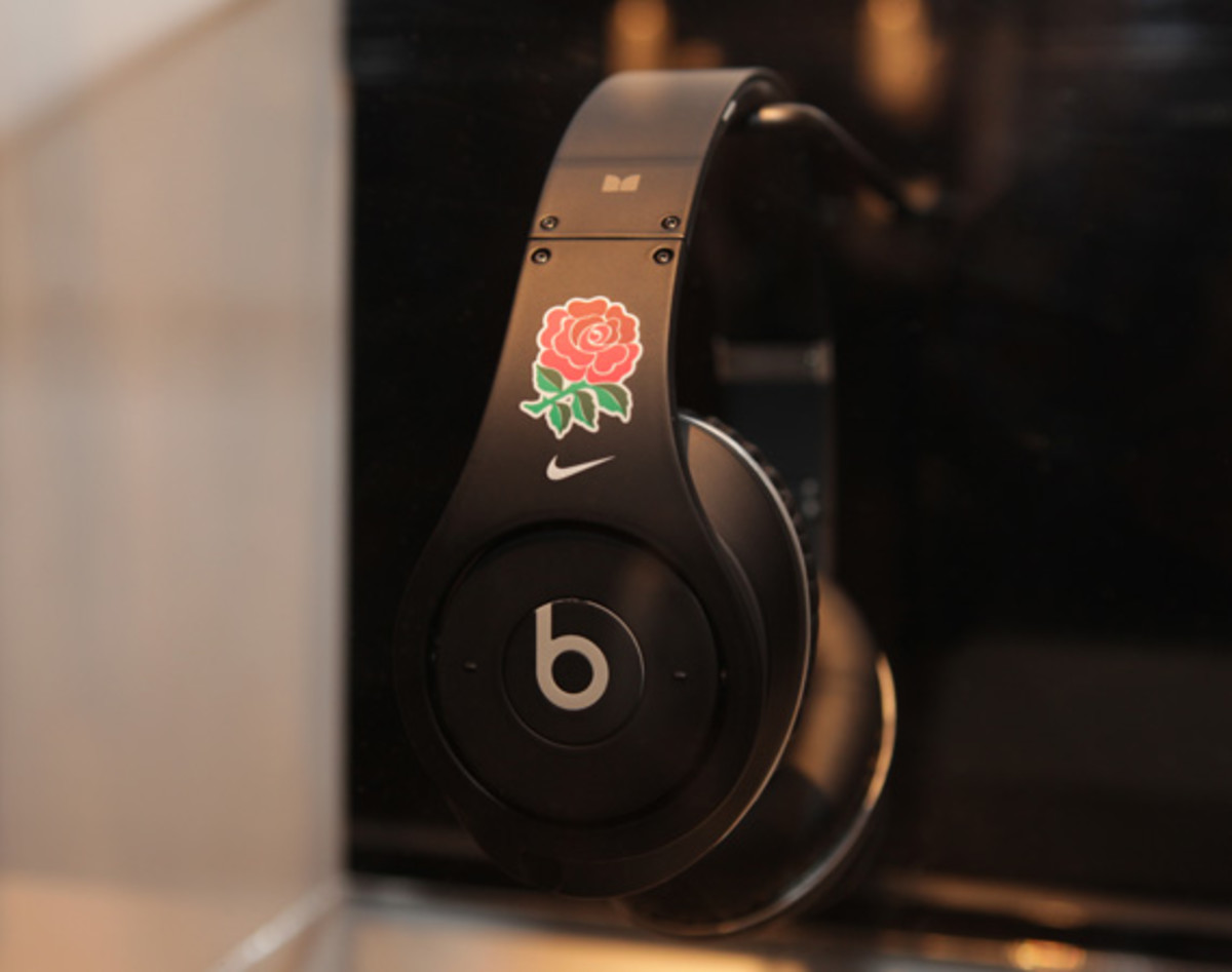 beats-by-dre-custom-headphones-16