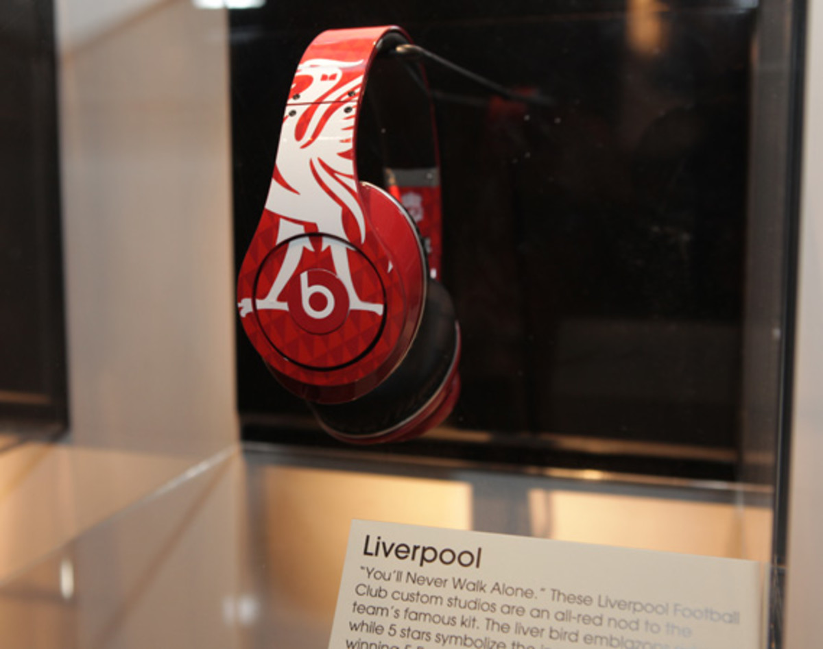 beats-by-dre-custom-headphones-09