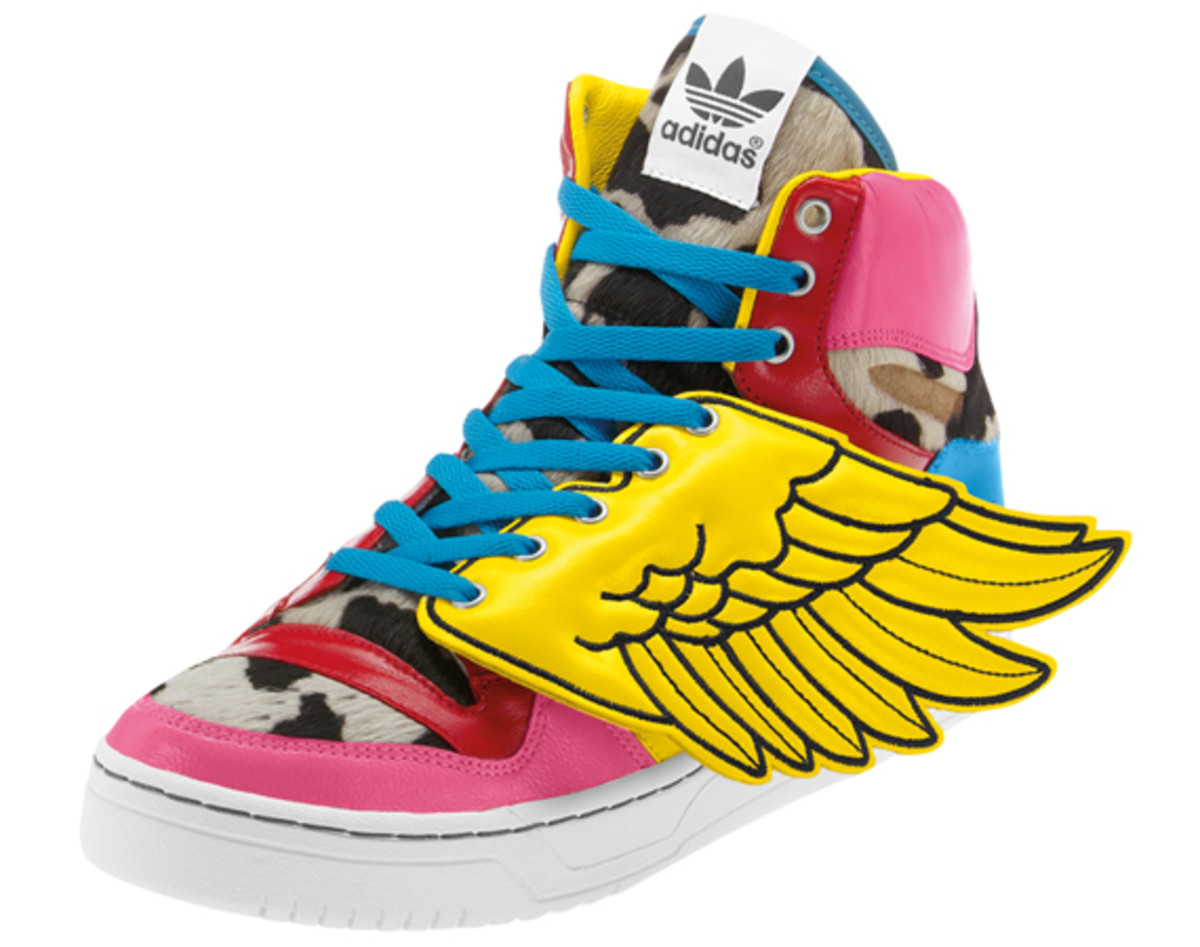 2NE1-adidas-originals-jeremy-scott-js-collage-wing-07
