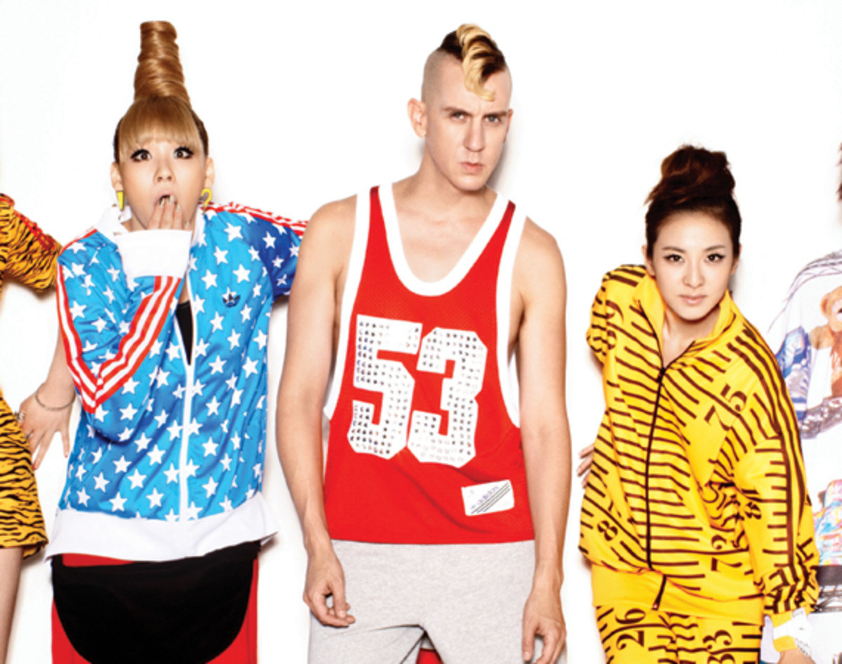2NE1-adidas-originals-jeremy-scott-03