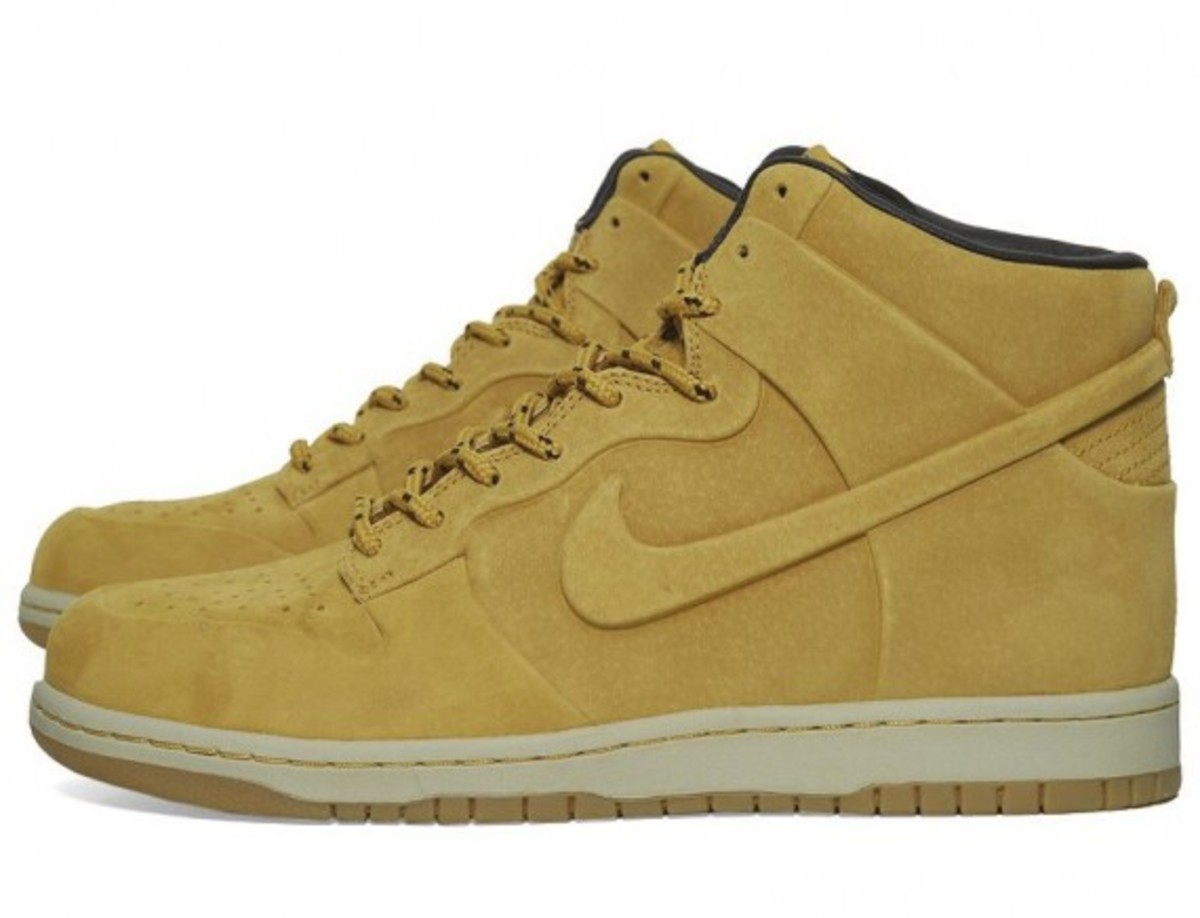 nike-dunk-high-vt-premium-qs-02