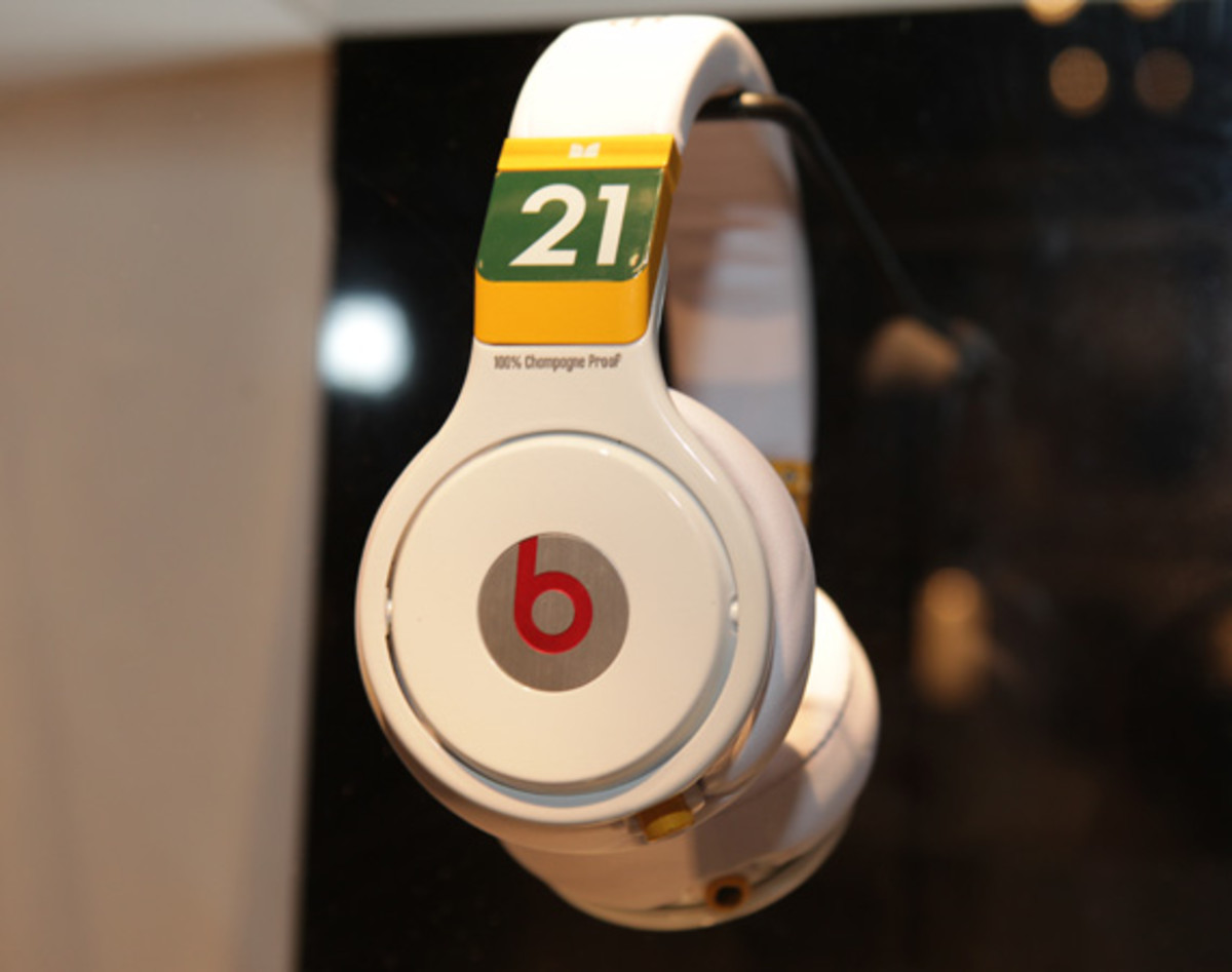 beats-by-dre-custom-headphones-12