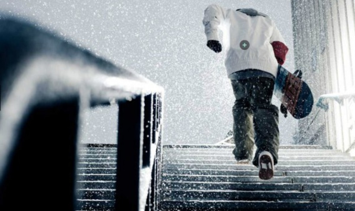 nike-snowboarding-winter-2011-collection-lookbook-02