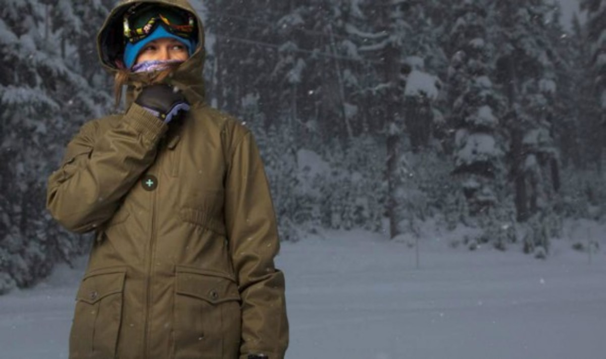 nike-snowboarding-winter-2011-collection-lookbook-11