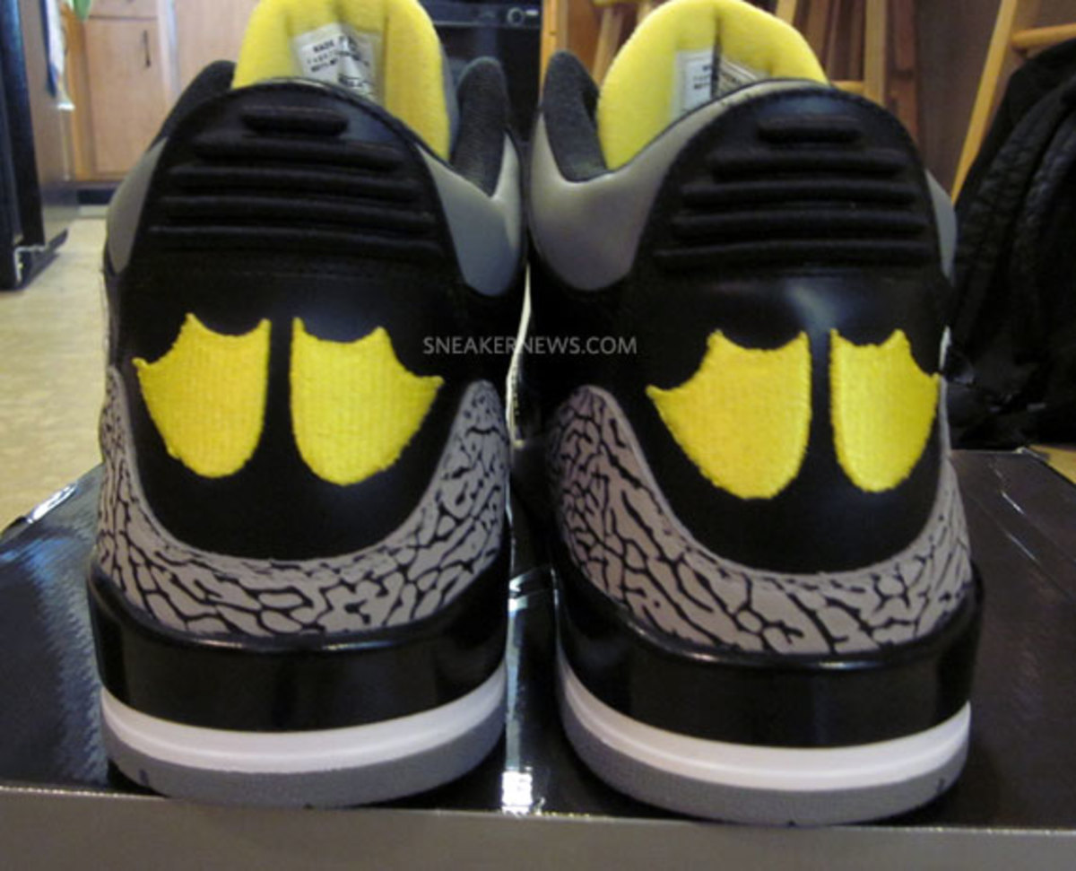 air-jordan-iii-oregon-pit-crew-matt-knight-madness-raffle-5