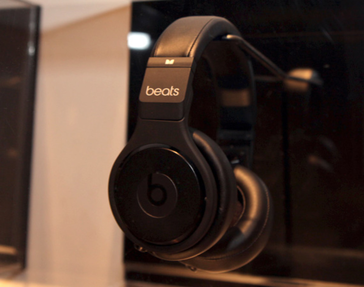 beats-by-dre-custom-headphones-08