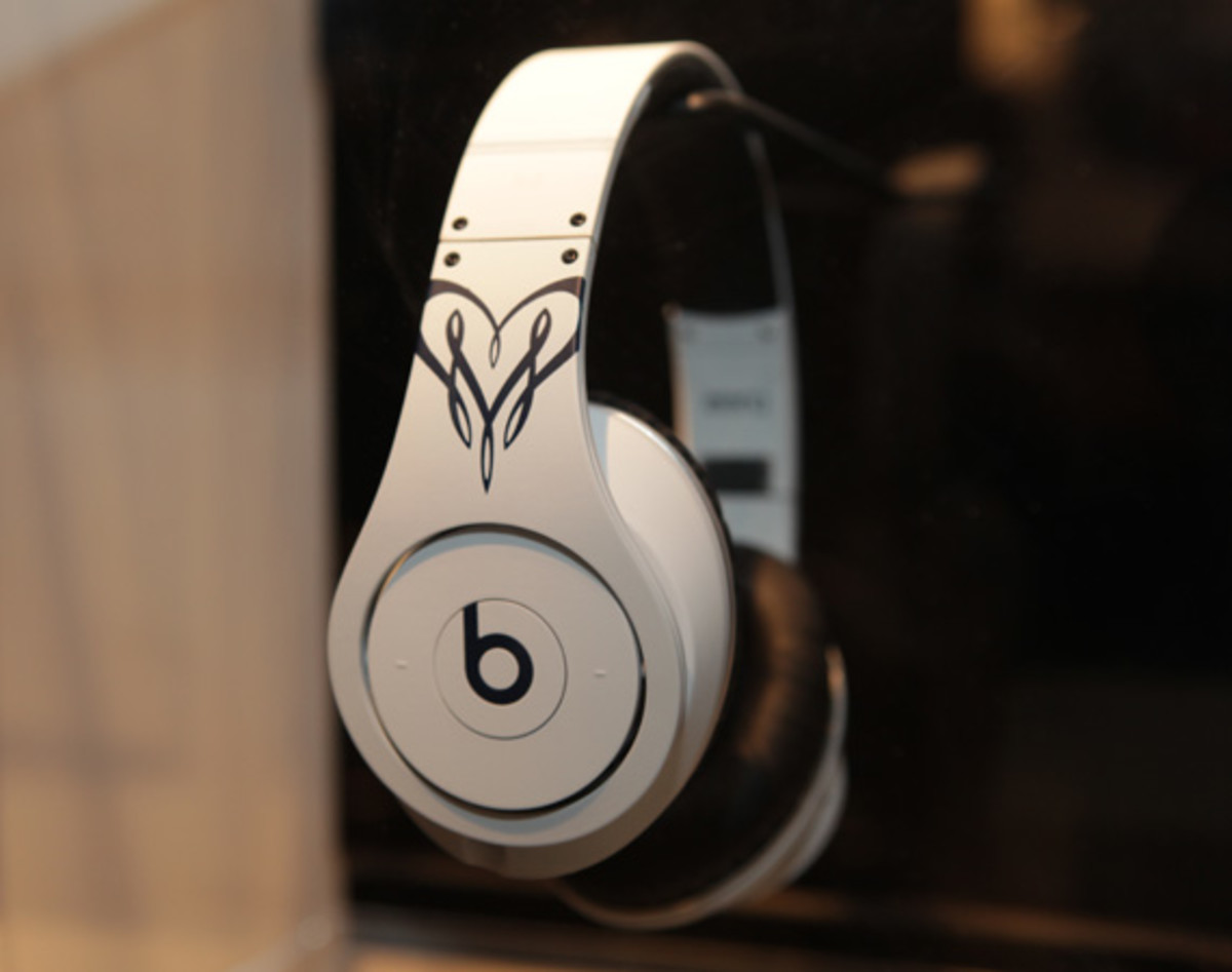 beats-by-dre-custom-headphones-14