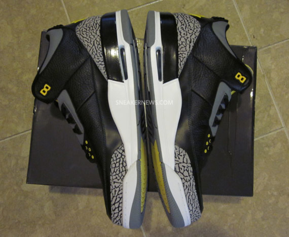 air-jordan-iii-oregon-pit-crew-matt-knight-madness-raffle-7