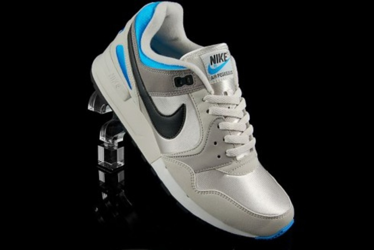 Nike  Air Pegasus 89 - Light Bone - Vivid Blue - 0