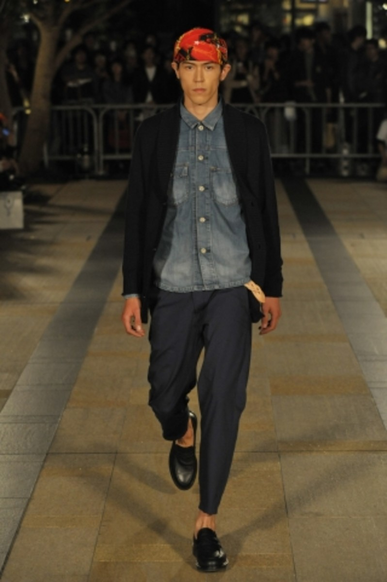 whiz-limited-spring-summer-2012-collection-runway-03