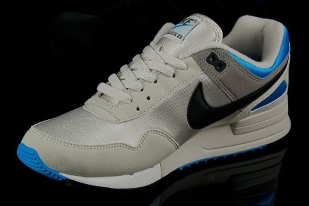 nike air pegasus 89 light bone vivid blue freshness mag. Black Bedroom Furniture Sets. Home Design Ideas