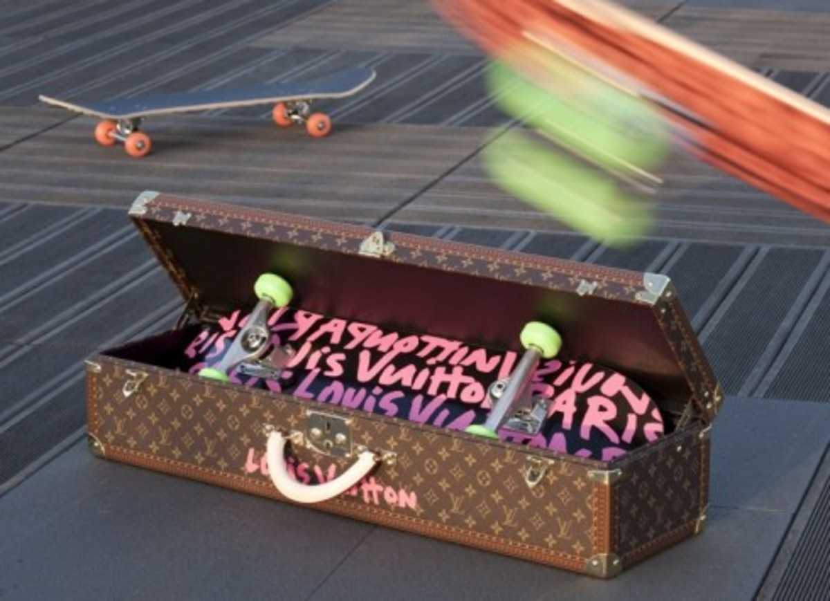Louis Vuitton x Stephen Sprouse - Skate Deck and Monogram Trunk