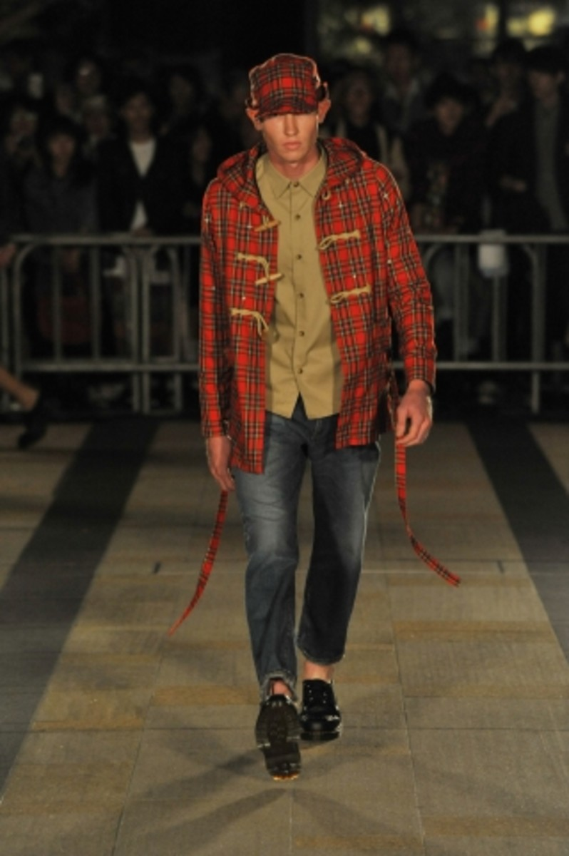 whiz-limited-spring-summer-2012-collection-runway-01