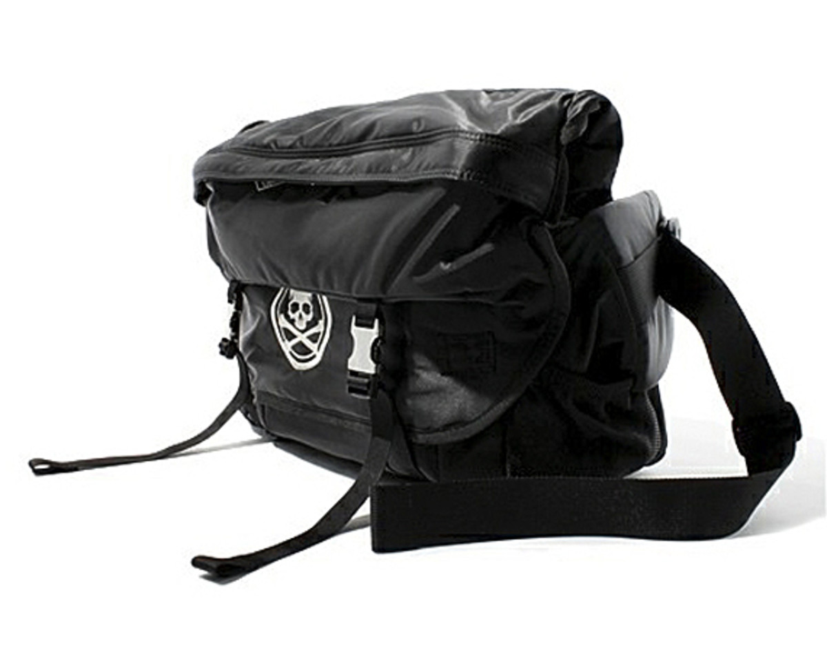 mastermind-JAPAN-PORTER-Messenger-Bag-02 (1)