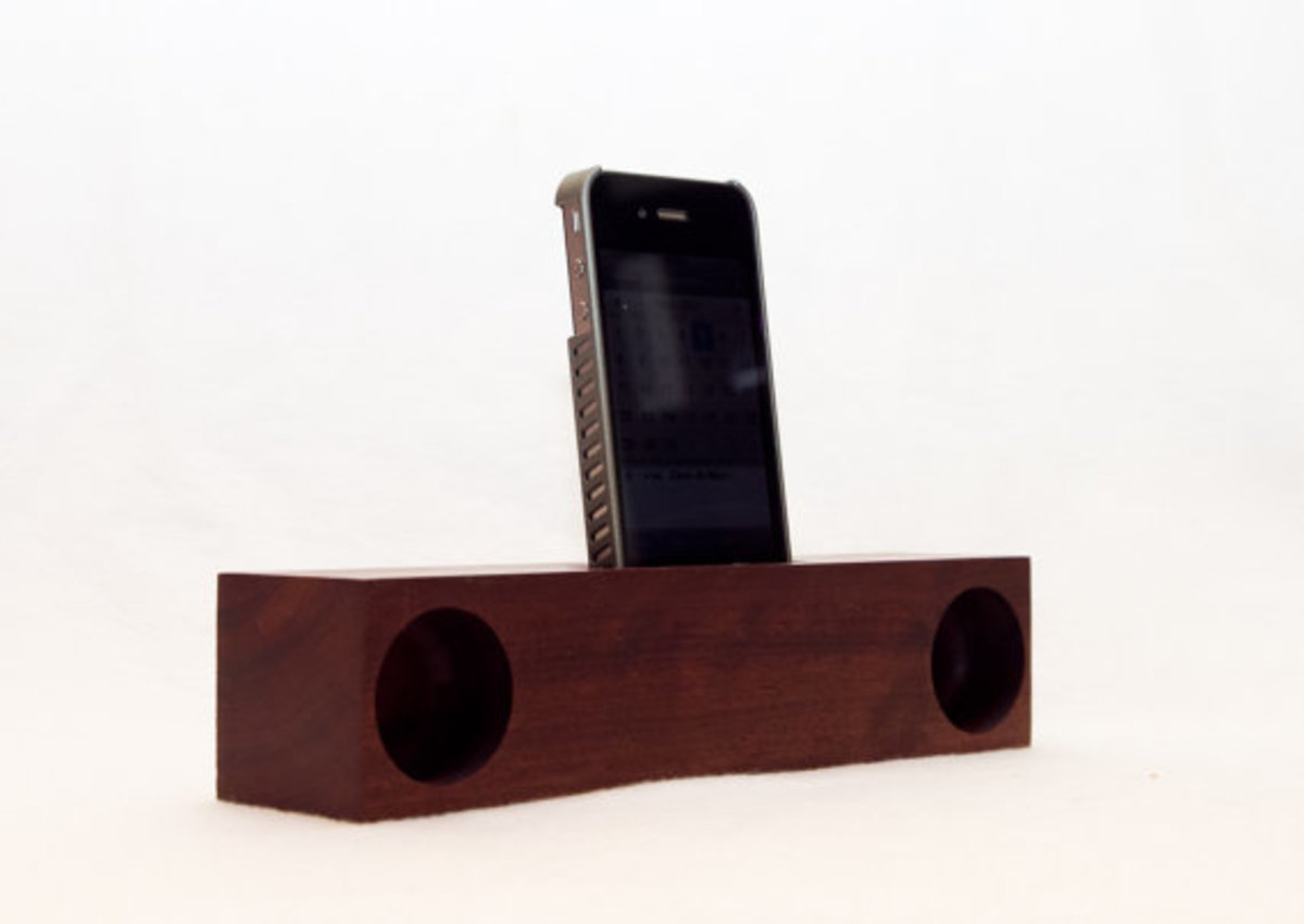 yellow-glue-blues-iphone-acoustic-dock-03