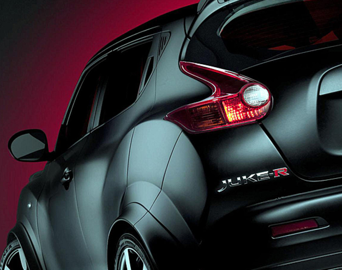 nissan-juke-r-officially-unveiled-00
