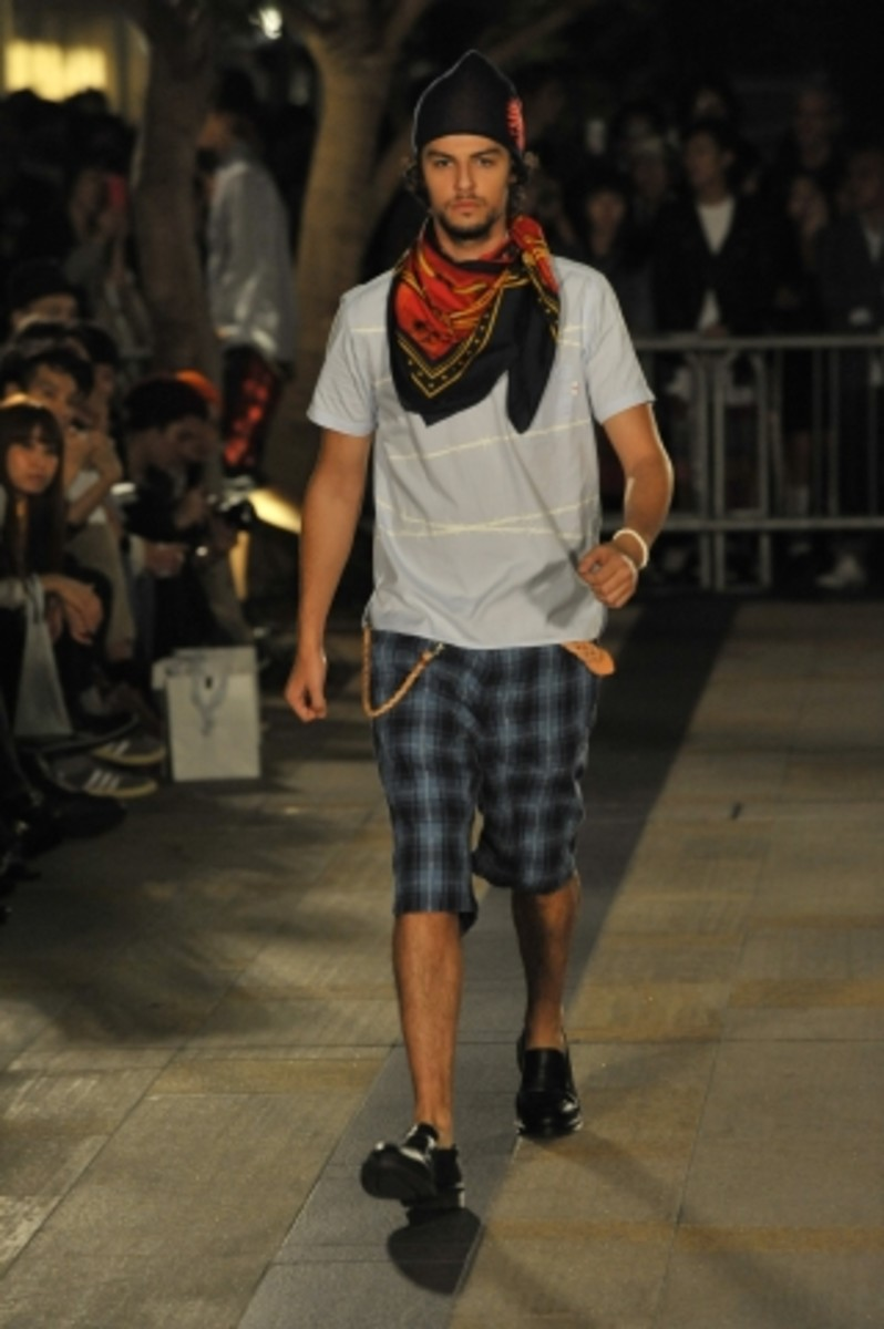 whiz-limited-spring-summer-2012-collection-runway-15
