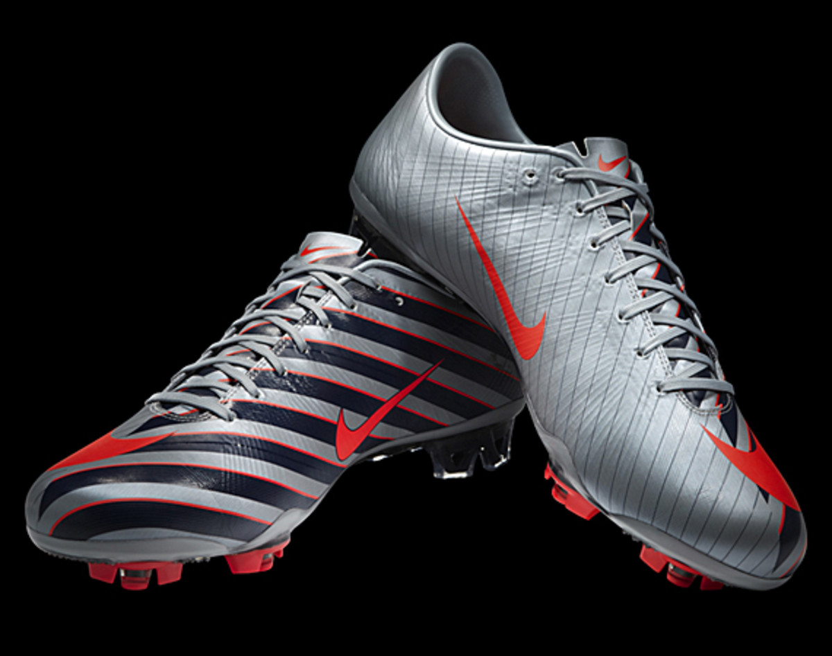 Nike-CR-Mercurial-Vapor-Superfly-iii-02